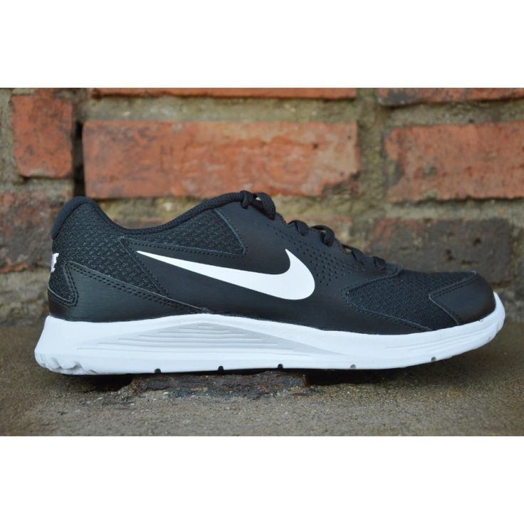 Nike CP Trainer 2  Model: 719908-002 None