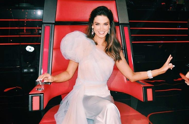 Delta Goodrem wears Philippa Galasso haute couture on The Voice Australia 2018