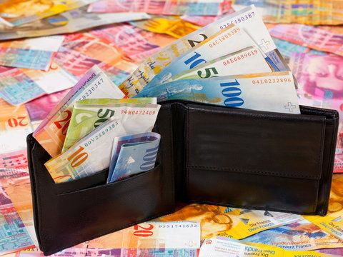 Frankowicze nie odpuszczają bankom. W wtorek, 24 lutego, przed Sądem Okręgowym w Warszawie rozpocznie się pierwszy zbiorowy proces frankowych kredytobiorców. Klienci pozywają Getin Noble Bank.
