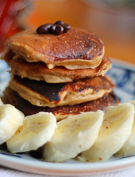 Já pensou em começar o dia com um café da manhã à americana? Vale a pena conferir essa receita de panqueca de manteiga de amendoim e banana. Aprenda a fazer e se delicie!