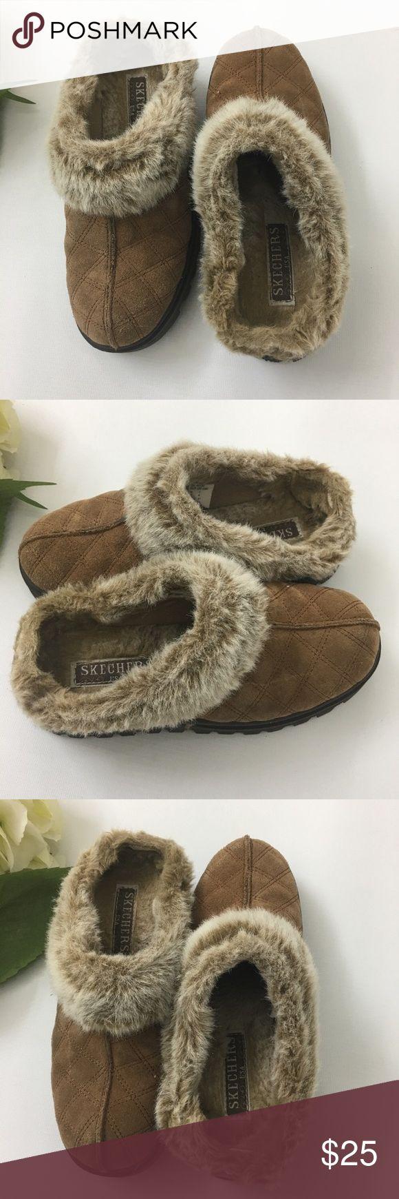 🎉 EUC - Skechers Women's Clog Slipper - Size 7 🎉 EUC - Skechers Women's Clog Slipper - Size 7 - ⬇️ WAS $25 Skechers Shoes Mules & Clogs