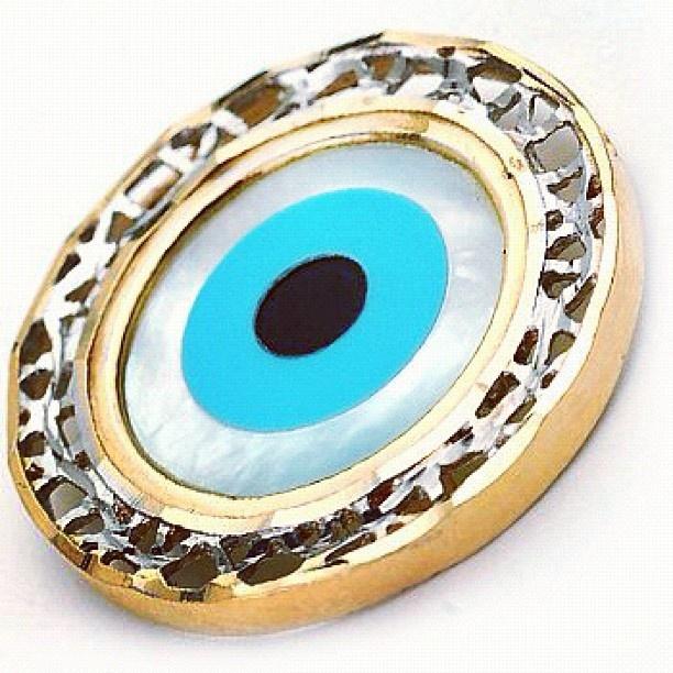 Olho grego em ouro 18k - @joiasgold- #webstagram @joiasgold #Joiasgold #Pingente #Ouro #Joias #Pingentedeouro #Joalheria #Moda #Pendants #Gold #jewel #jewelry #Olhogrego #Greek #Greekeye #Eye #Amuleto #Sorte #amulet