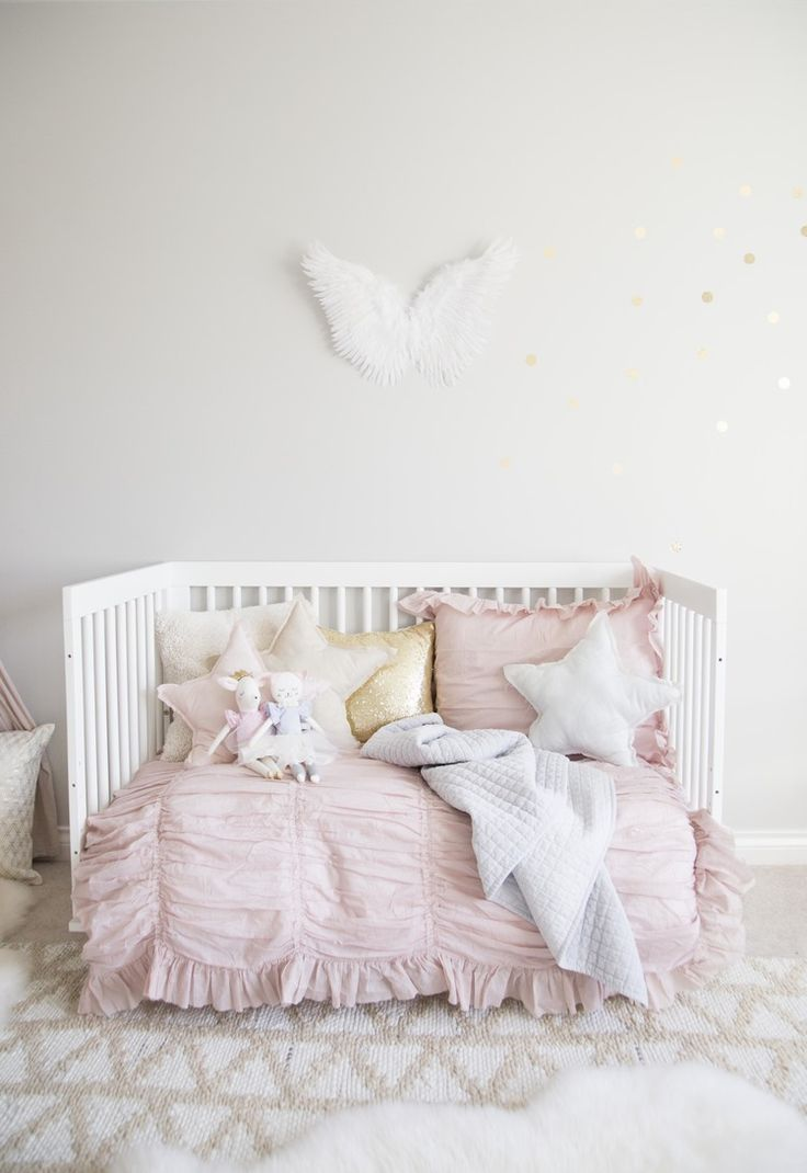 Daybed bedding for little girls - Ella S Soft Pink And Gold Toddler Room