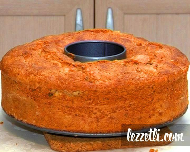 Elmalı Kek nasıl yapılır? Resimli tarifle yapmayı öğrenin. Fotoğraflı tarifle adım adım Elmalı Kek yapın.