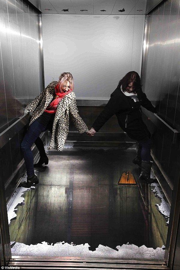 Elevator Illusion Shocks Unsuspecting London Shoppers - My Modern Met