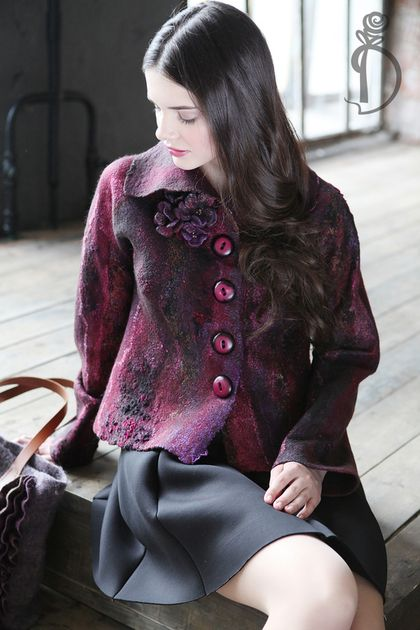 Валяный жакет «Burgundy» от Ирины Демченко — работа дня на Ярмарке Мастеров.  Магазин мастера: plushsun.livemaster.ru #handmade #craft #felting #style #fashion #burgundy