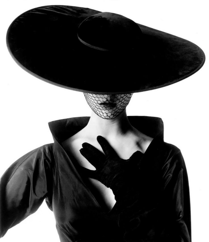Jean Patchett photographed by Irving Penn, 1949.  Photography | Inspiration | Wide Brim | Katharine Kidd