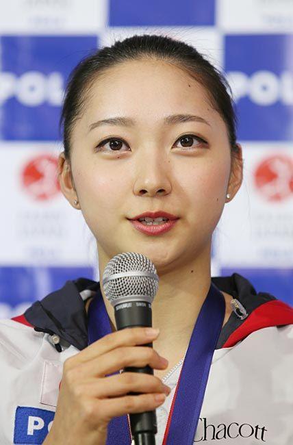 新体操ワールドカップ(W杯)ポルトガル大会の団体種目別ボール・リボンで優勝し、記者会見する日本代表「フェアリージャパン…