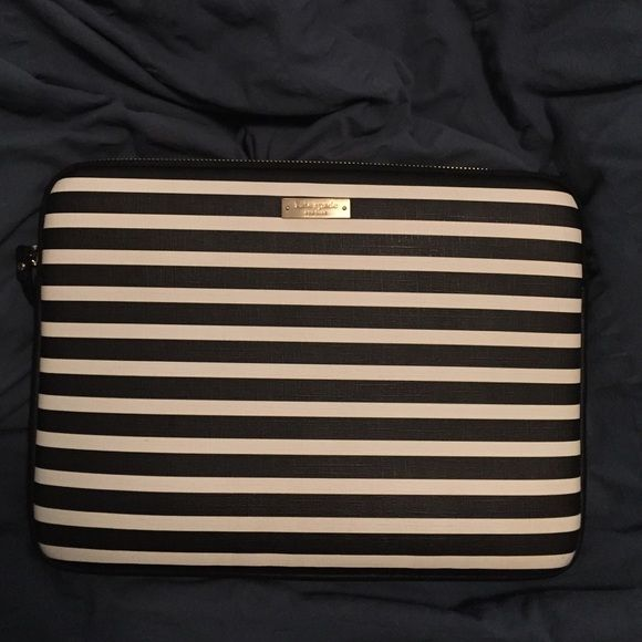 "Kate Spade New York 13"" Apple MacBook Sleeve Kate Spade New York Fairmont Square Black/Cream. Barely used . In almost perfect condition. Fits other 13"" tablets and computers. Any questions just ask! Kate Spade Bags Laptop Bags"