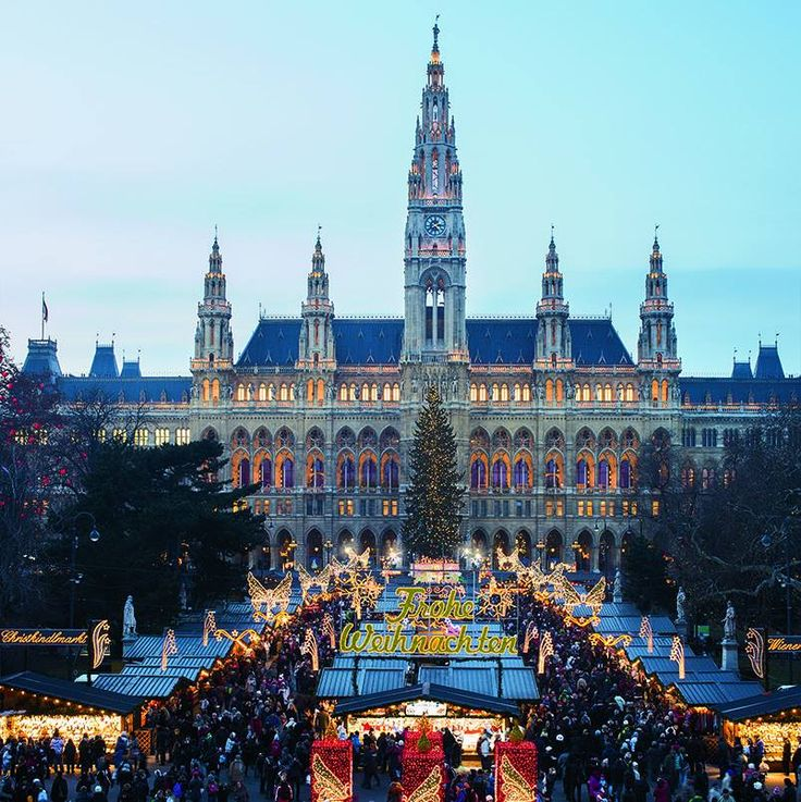 Sizzling wursts, kirsch-gingerbread punch—see why #Vienna has one of the most festive Decembers on earth.
