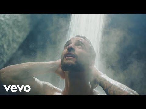 Maluma in versione playboy nel video di Felices Los 4.