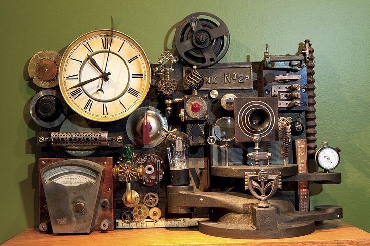 Mechanische onderdelen met toeters en bellen in een ondefinieerbaar steampunk kunstwerkje.