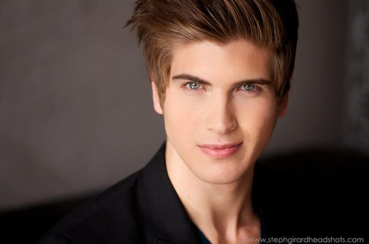 Joey Graceffa is one of the most famous Youtubers around and he's gay you gotta love him though!  <3