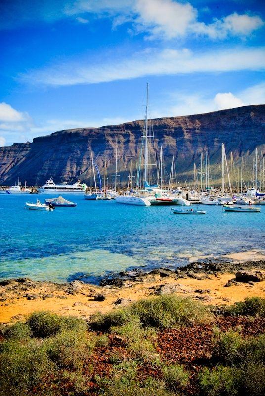 Isla de la Graciosa Canarias Spain Villas Puerto Rubicon - navegar / Sailing www.villaspuertorubicon.com/es/nautica