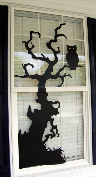 Halloween Basteln: grusliger DIY Baum fürs Fenster #DIY #Halloween #Basteln