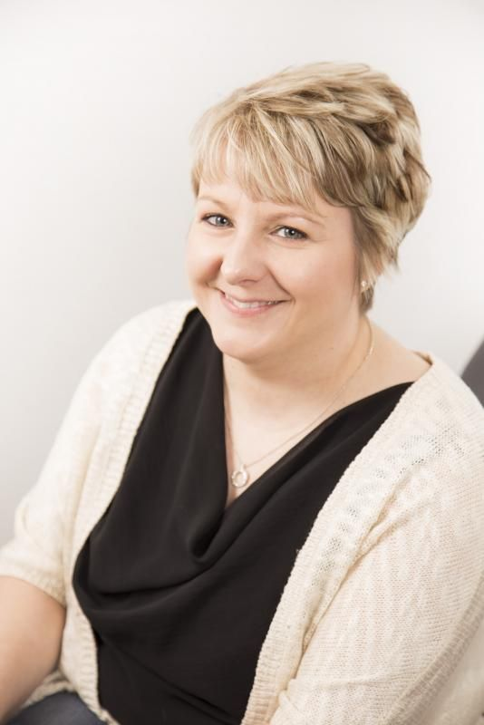 Tanya Reimer - AUTHORSdb: Author Database, Books and Top Charts