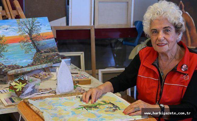 Guinness'e girmek için atık kumaştan resimine rakip bekliyor 86 yaşındaki Sevil Yalçınduran, boya yerine atık kumaşlardan yaptığı bin parçadan oluşan sıra dışı tabloyla Guinness Rekorlar Kitabı'na başvurdu.