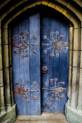 Located in the Tynemouth Priory grounds is this door to the little chapel... it was a nice day and eerily un-supernatural inside...