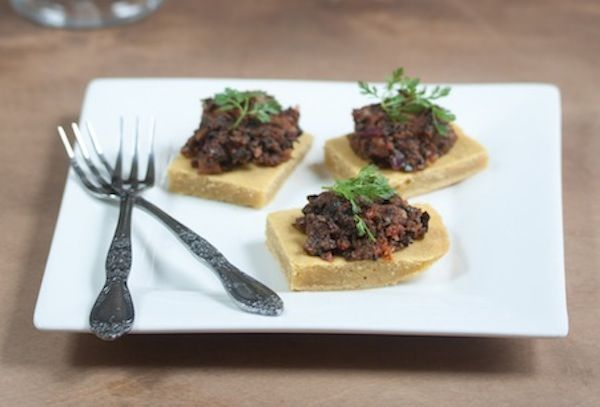 Sundried tomato and black olive tapenade - make it oil-free for Forks over Knives diet.