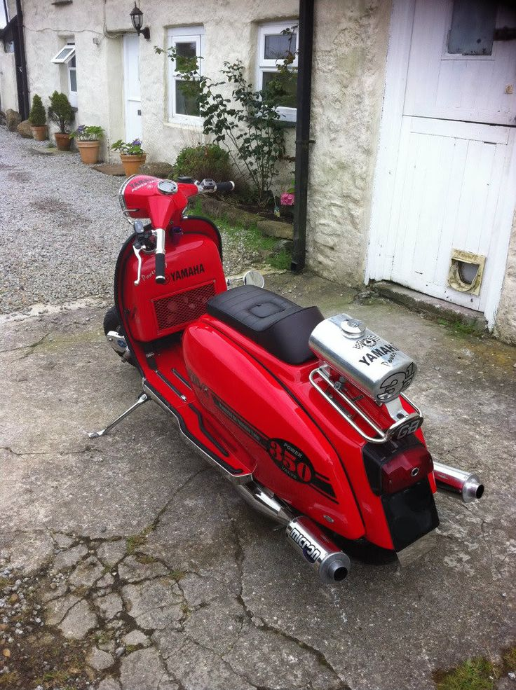 Lambretta 350 YPVS.  It's so wrong but it's so right!