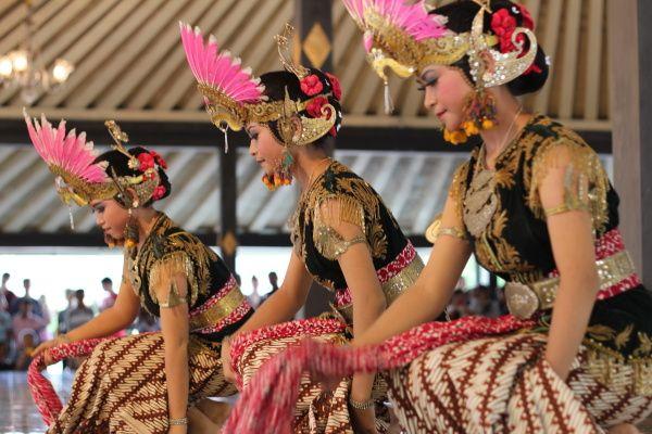 The-Origin-or-Javanese-Kraton-Batik-1.jpg (600×400)