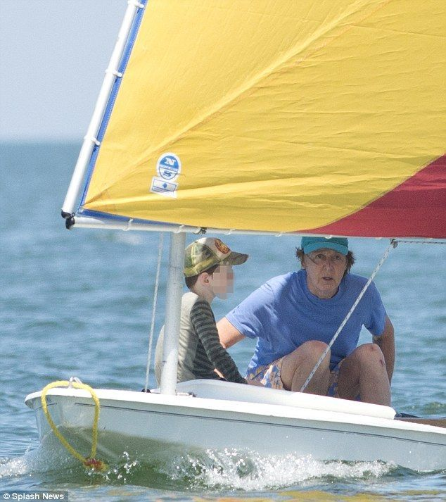 Sir Paul Mccartney Chooses To Sail His Sunfish Linda On Long Island Sound Sunfishsailboat Paul Mccartney Sailing Lake Boat