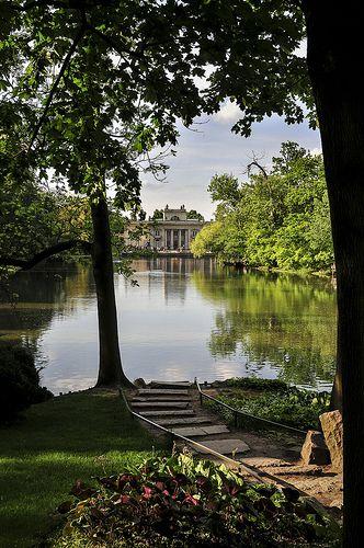 Lazienki Park, Warsaw, Poland. http://www.the-wanderlusters.com/europe/warsaw/
