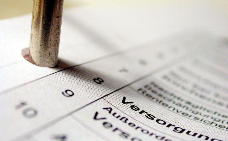 Checkliste Steuererklärung - OK, das Jahr ist noch nicht rum und die Steuererklärung ist auch noch nicht fällig, aber hier schon mal ein paar Tipps für die Steuererklärung. Wir haben ja alle nichts zu verschenken, oder? Und spätestens in einem halben Jahr jammern dann wieder alle über Ihren Zettelberg und die großen Zahlen...