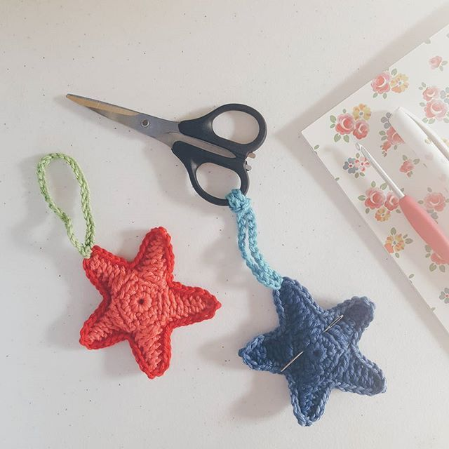 Just for fun crochet! Cute starfish, one for a (large!) darning needle holder - I'm always losing these especially when I'm crocheting away from home!  Pattern by Barbara Summers via Ravelry, Yarn: Patons Cotton Blend 8ply