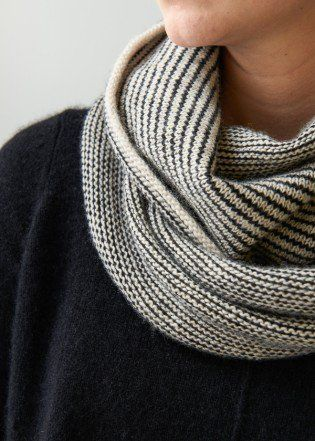 Newsprint Cowl | Purl Soho. Free pattern.