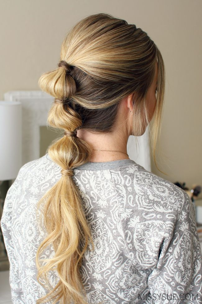 If you've been stuck in a hairstyle rut then you are going to love this triple bubble ponytail. It's simple and stylish and works even better on second or third day hair. This can definitely be done in under 10 minutes so even if you've…