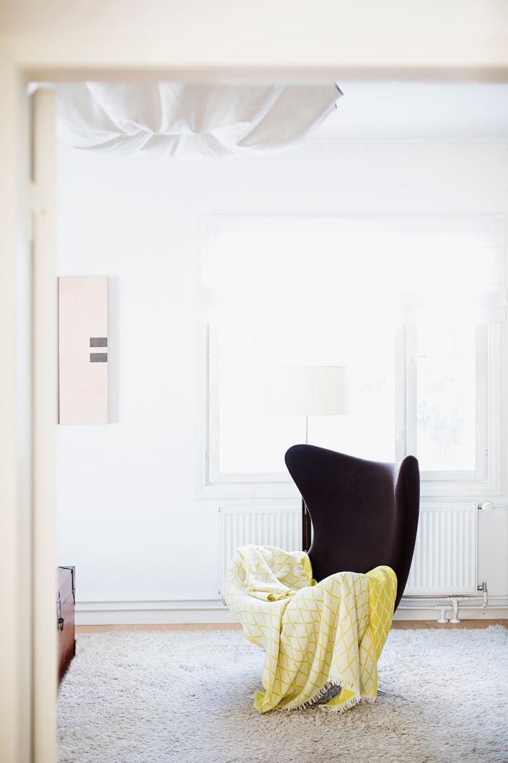 ESKIMO 100% wool throw. Design Reeta Ek, woven by Lapuan Kankurit in Finland.