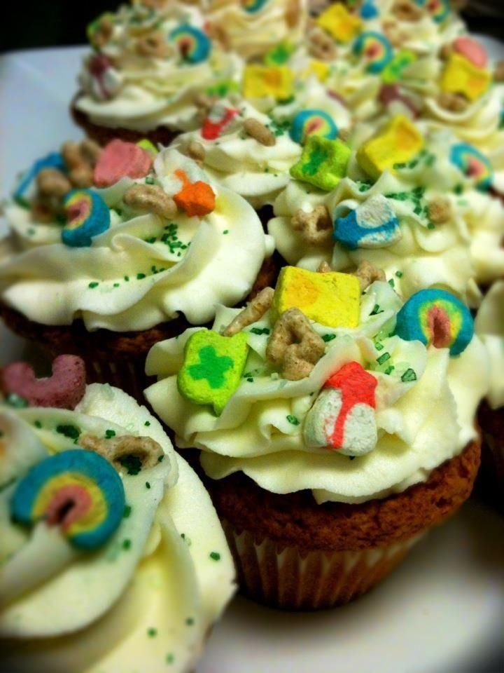 Lucky Charms cupcakes | Yummm!! | Pinterest