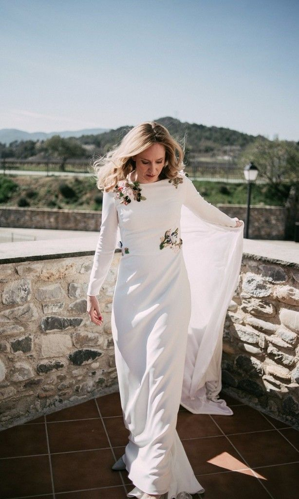 9dfe1f89669c 13 Stylish Real Brides Who Wore Long Sleeves in 2019 | Wedding ...