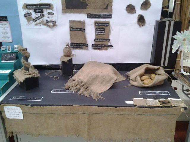 display 3D karung Goni