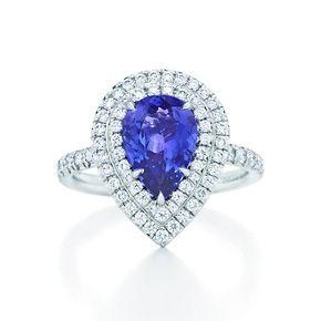 Anello Tiffany Soleste con tanzanite e diamanti, in platino.  #TuscanyAgriturismoGiratola