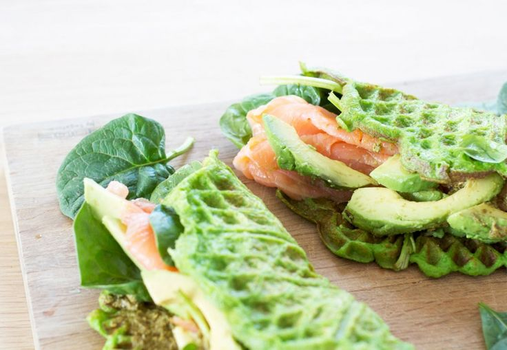 vaffel-sund-laks-avocado