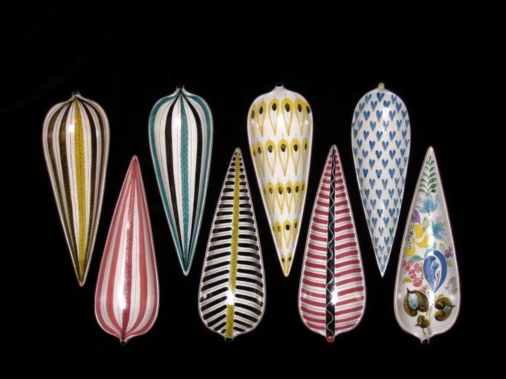 Gustavsberg (Sweden) - a clutch of classic Stig Llindberg leaf dish designs.