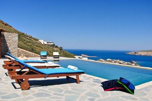 Traditional sea view villa with private pool in Mikonos