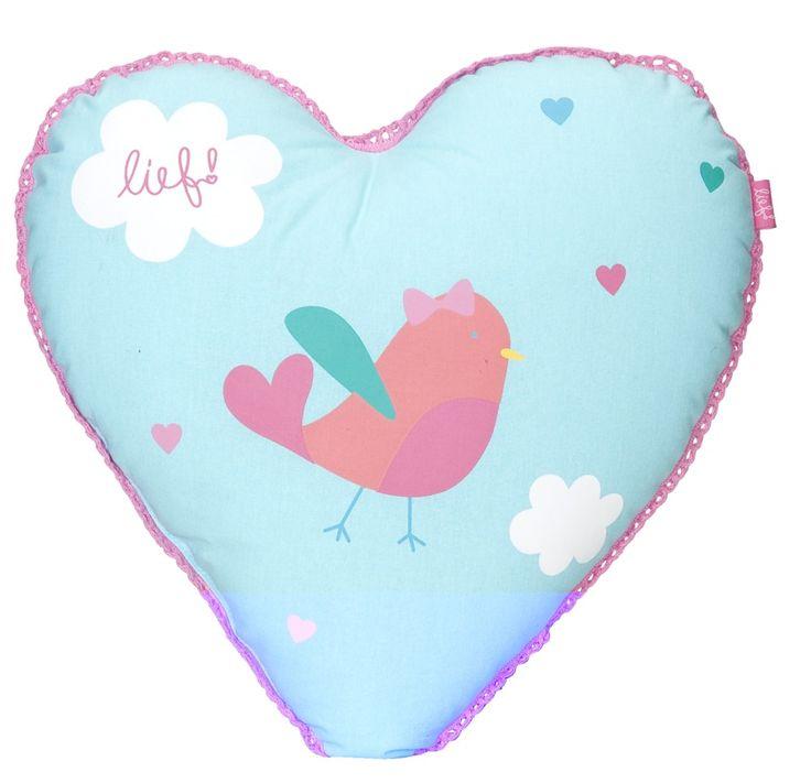 Sierkussen Elin van lief! lifestyle: kussen voor de meidenkamer in de vorm van hart. Leuk om te combineren met andere sierkussens uit de collectie