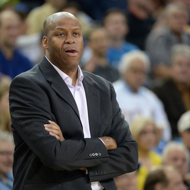 MICHELLE OBAMA'S BROTHER CRAIG ROBINSON HIRED BY MILWAUKEE BUCKS The Milwaukee Bucks have hired Craig Robinson—the brother of first lady Michelle Obama—as their vice president of player and organizational development, according to the team.
