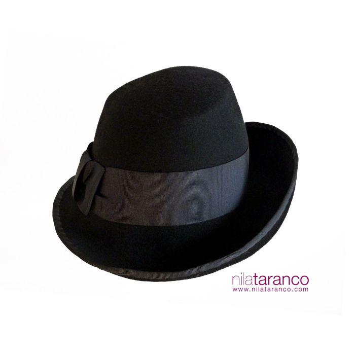 #Sombrero de fieltro negro by @nilataranco Black Felt #hat by @nilataranco