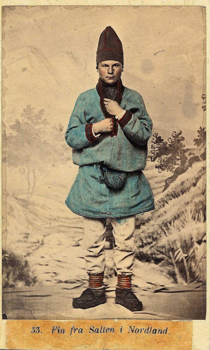 https://flic.kr/p/sTLHqt | Samisk mannsdrakt fra Salten, Nordland (Norway). av Marcus Selmer 1919-2000 | NF.09398-007 Digitalt museum. Public domain.