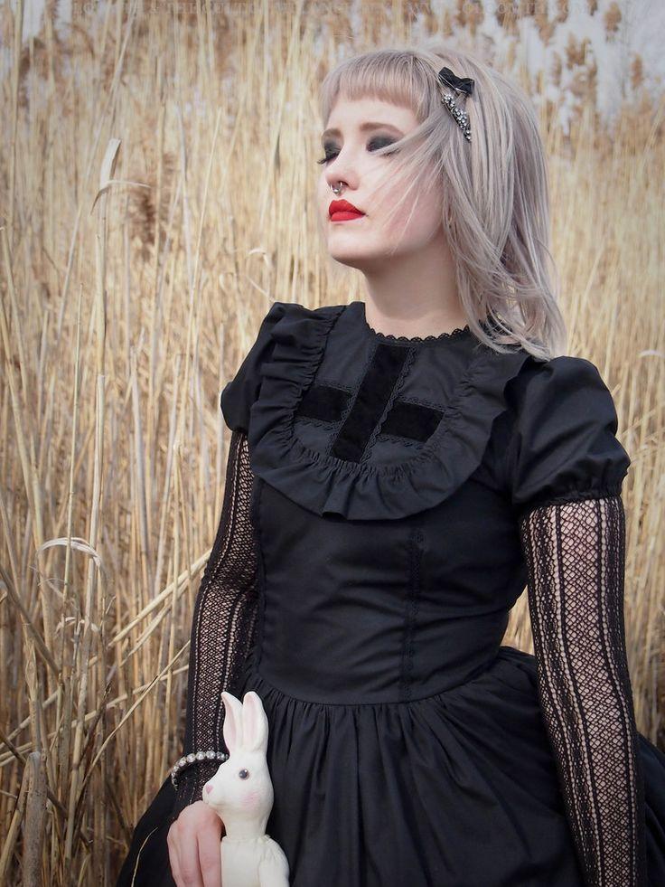 Model: CheshireCat Stylist/Photographer: Taeden Hall www.gloomth.com