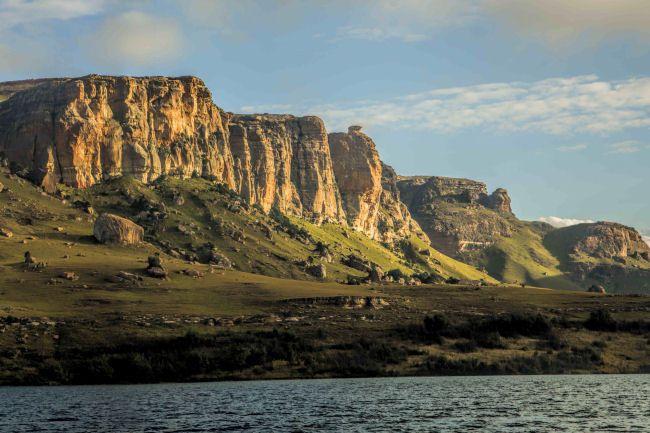 Wild Horses Guest Lodge Exterior Sterkfontein Dam