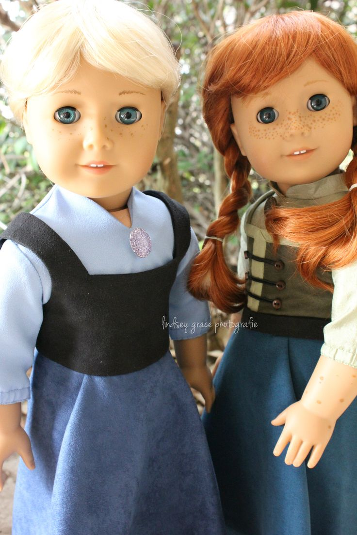 Custom American Girls Dolls Elsa & Anna from Disney's FROZEN in their summer clothes!  // These are so cute!!