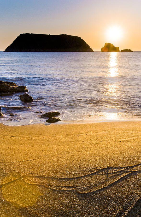 varvaroussa-beach-george-messaritakis.jpg 588×900 pixels
