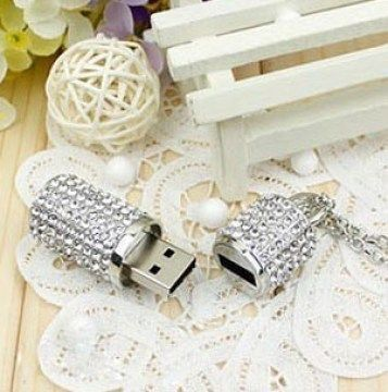 Fashionable Cute Crystal Silver Cylinder 32MB USB 2.0 + Chain