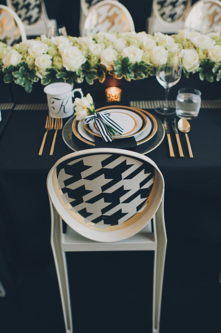 Houndstooth chairs.    Snazzy   Photography: Mango Studios
