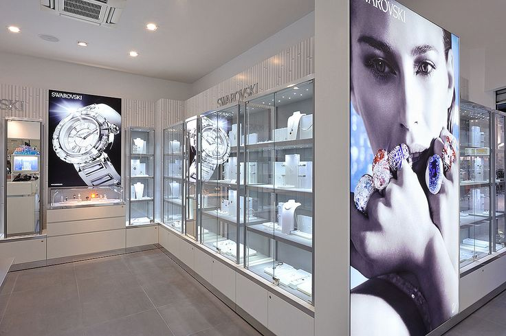 #studioforma  #architects #studioformaarchitects #alexleuzinger #miriamvazquez  #switzerland #zurich #zürich #paris #hamburg #architecture #architekt #retail #retaildesign #retailarchitecture #mall #shop #boutique #fashion #watches #jewelry #luxury #swarovski #crystals #crystalforest #mirandakerr #angel #tokujinyoshioka #elements #brilliants #diamonds #cutcrystal #accessoires #accessories #tiara #crown #earrings #sparkling #blingbling